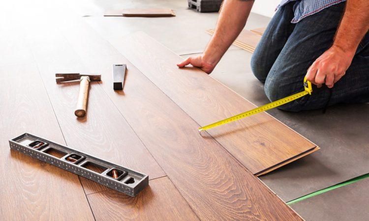 Belangrijke vragen om te stellen bij het kopen van een nieuwe vloer
