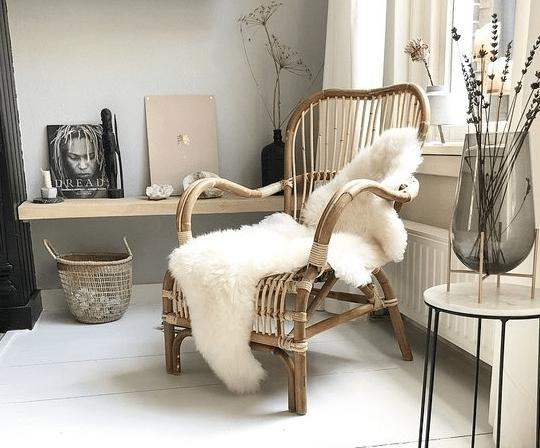 De fauteuil als middelpunt van de woonkamer